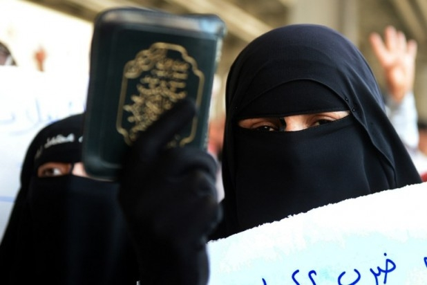 مليونية خلع الحجاب تشعل مصر بين مؤيدين ورافضين وطن الدبور