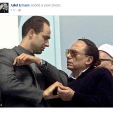 """صورة نشرها عادل إمام مع جمال مبارك تثير الغضب عبر """"فيس بوك"""""""