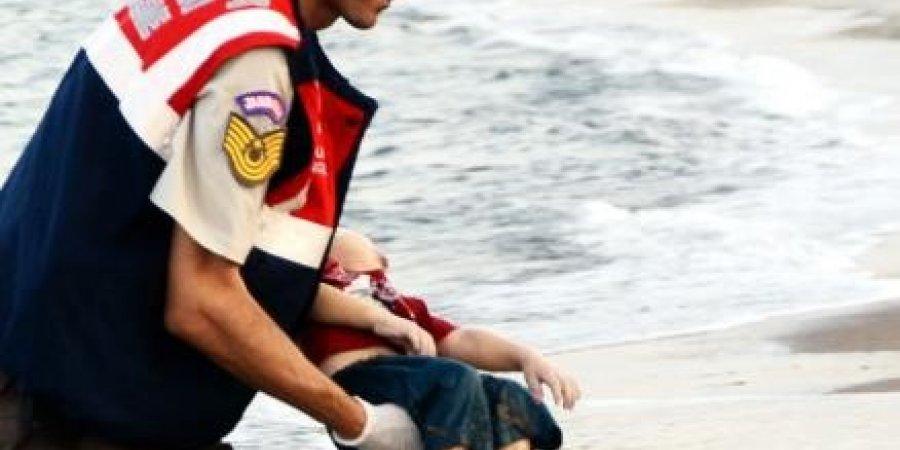 طفلان عراقيان غرقا مع إيلان السوري