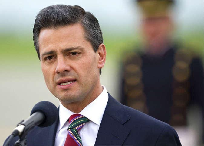 """قرأت المذيعة إيمان الحصري ترجمةً منقولةً عن """"الأهرام المكسيكية""""، مصحوبةً مع صورةٍ لتغريدة الرئيس المكسيسي."""