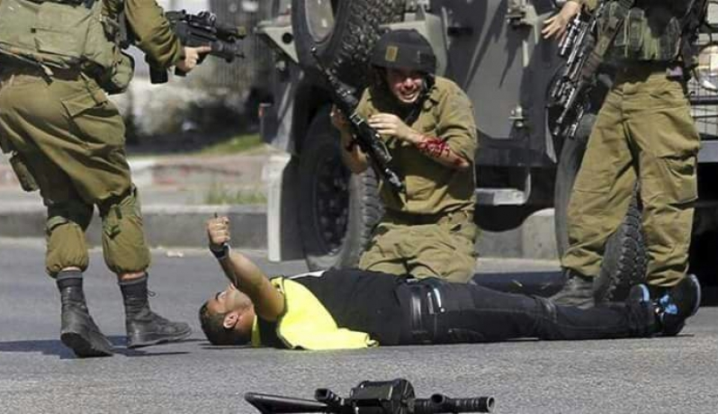 الشهيد إياد خليل عواودة بعد طعنه جندي إسرائيلي