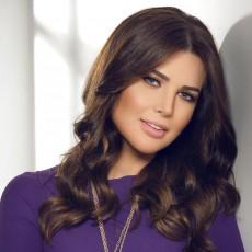الاعلامية اللبنانية منى أبو حمزة