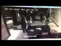 بالفيديو.. نجم الفنون القتالية المغربي بدر هاري يصفع موظفا داخل فندق بالدار البيضاء