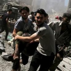 قصف سوق سوري