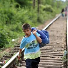أطفال لاجئين