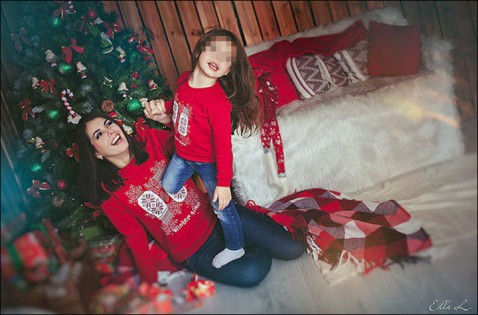 inside_oksana_and_daughter-478x315