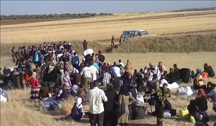 لاجئون عالقون