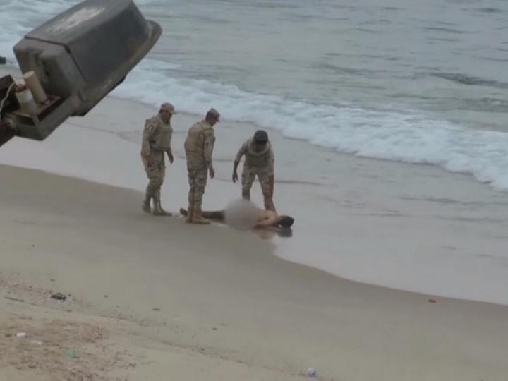 الجيش المصري يقتل فلسطينيا