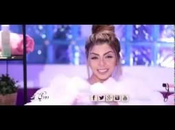 فيديو: مذيعة مصرية تقدّم برنامجها من داخل البانيو وهي مغمورة بالصابون!