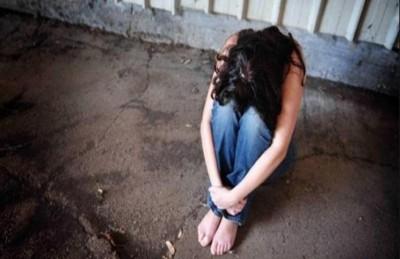 يغتصب فتاة ويصورها في منزل مهجور في الاردن
