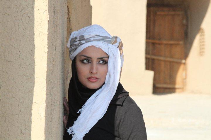 الشاعرة الايرانية هيلا صديقي