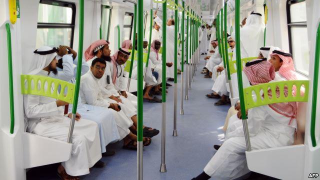 القطار السريع الرابط بين مكة ومنى