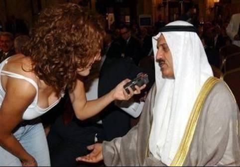 سموه يراقب بكل الاهتمام والإثارة الوضع في سوريا واليمن ومصر وليبيا!