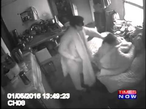 فيديو: ترك كاميرا مراقبة في غرفه والدته.. شاهد بعدها ماذا فعلت زوجته بها!