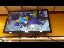 فيديو: منقبة تسرق محل ذهب وتخفي المسروقات أسفل ملابسها