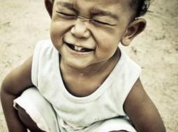 اضحك قبل أن تسقط أسنانك! ويضحكون عليك
