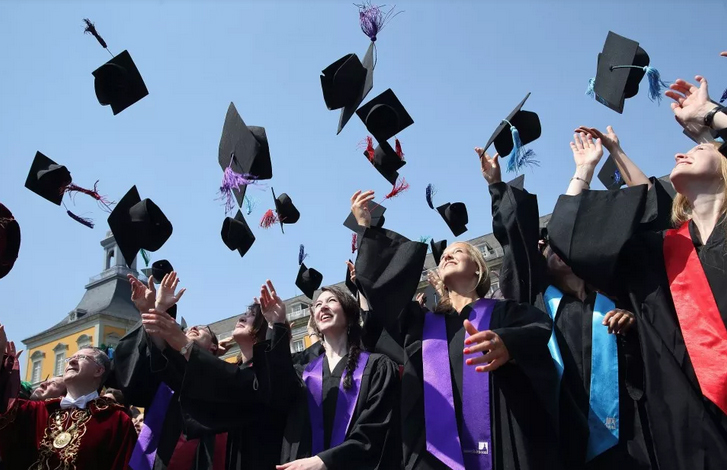 التقدم السريع في التعليم الجامعي يؤثر بالسلب