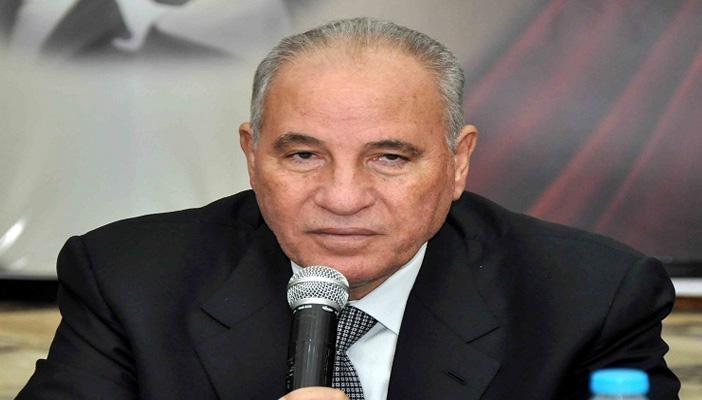 أحمد الزند .. إلى الإمارات