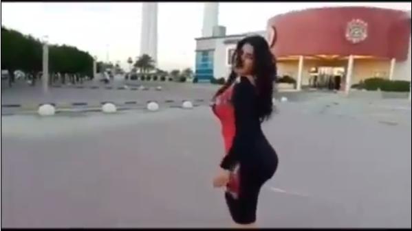 الكويت تتحرك سريعا وتمنع دخول الراقصة سما المصري ، بعد حركاتها ...