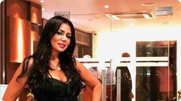 رانيا يوسف تكشف عن جسدها في صورة جريئة