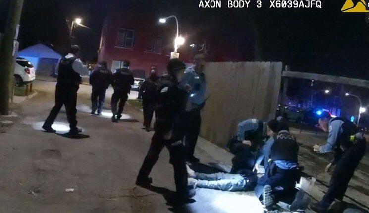 شيكاغو تنتفض بعد قتل طفل على يد الشرطة