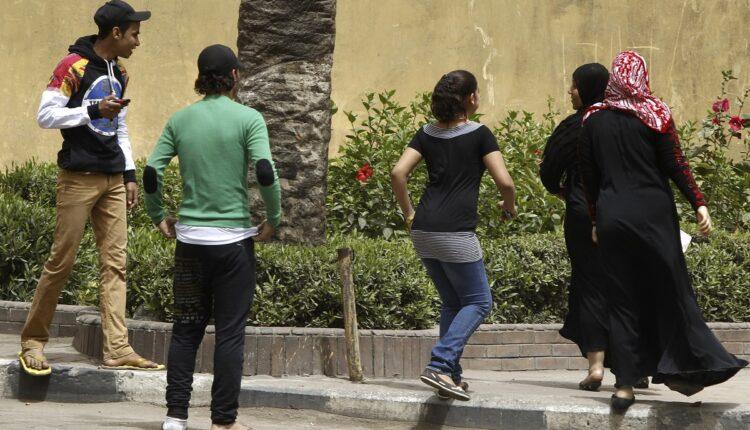 اغتصاب جماعي لفتاة مصرية